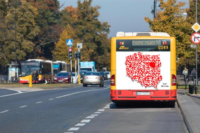 Cyfrowe Logo Polski - BANER NA autobusie.